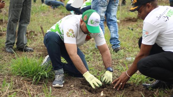 Juntos por un mundo más verde